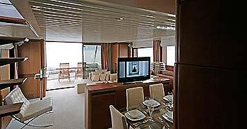 Yacht charter: AMON